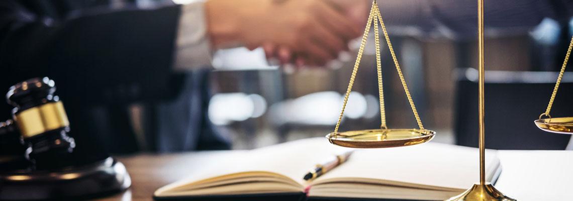 Recherche en ligne de cabinet d'avocat à Paris